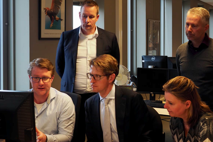 Werkbezoek minister Dekker en staatssecretaris Van Ark ...